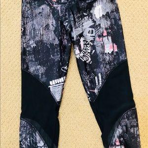 Nike power dri-fit Capri tights